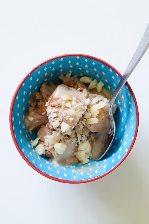 roasted-macadamia-and-salted-caramel-ice-cream-3
